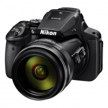 Nikon COOLPIX P900 with 16GB SD Card and Reader