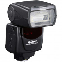 Nikon Speedlight SB-700 Side