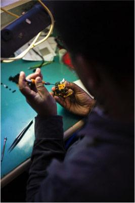 Compact and DSLR camera repairs at Cameraland